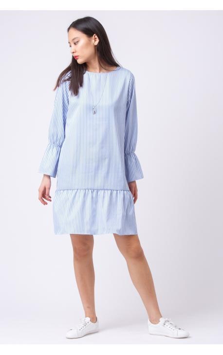 Платье в голубую полоску с воланами