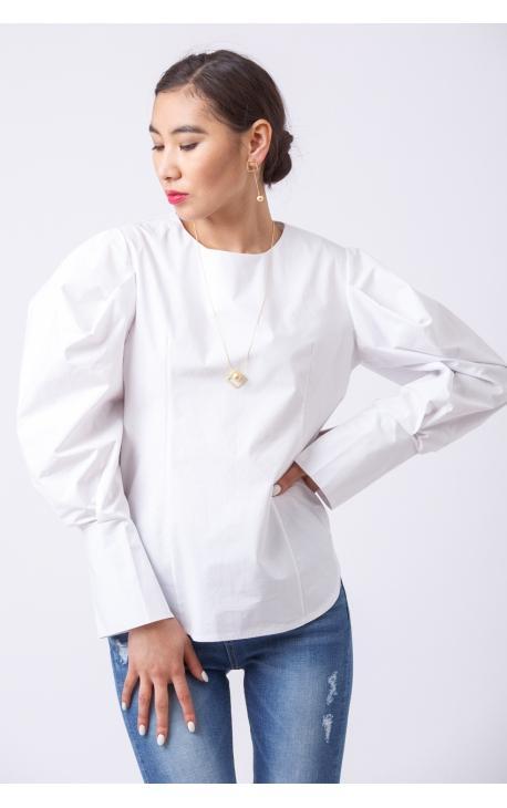 Блуза с рукавами-пуффами белая