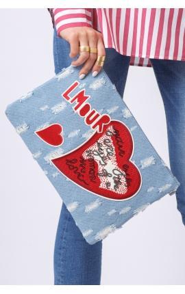 Джинсовый клатч-конверт с аппликацией: L'amour и сердце