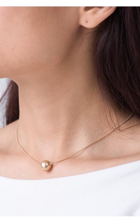 Ожерелье с маленьким шариком