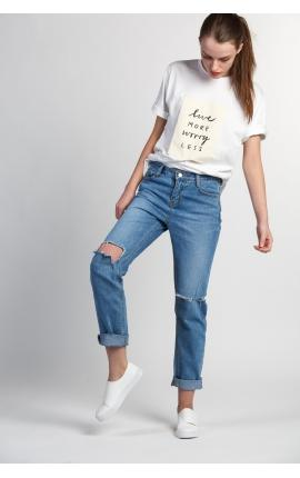 Mom-джинсы рваные