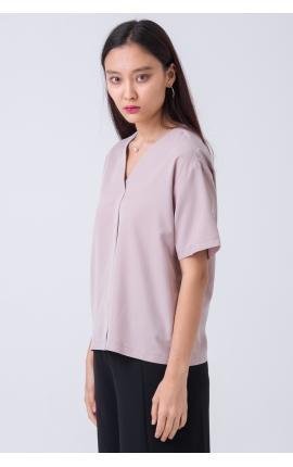 Блуза с V-вырезом и коротким рукавом розовая